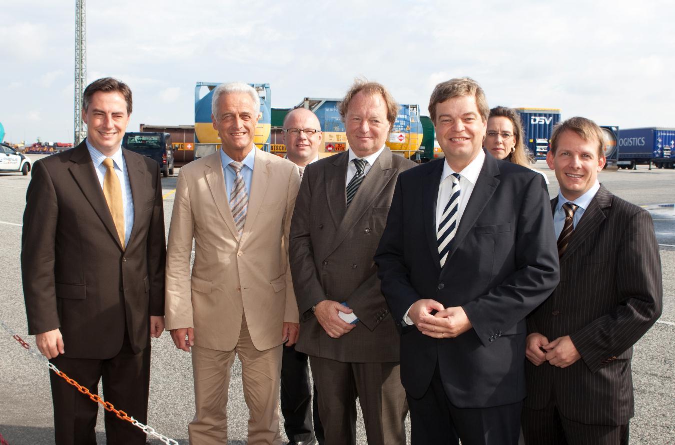 Hafenwirtschaftsgemeinschaft Cuxhaven empfängt Bundesminister Ramsauer