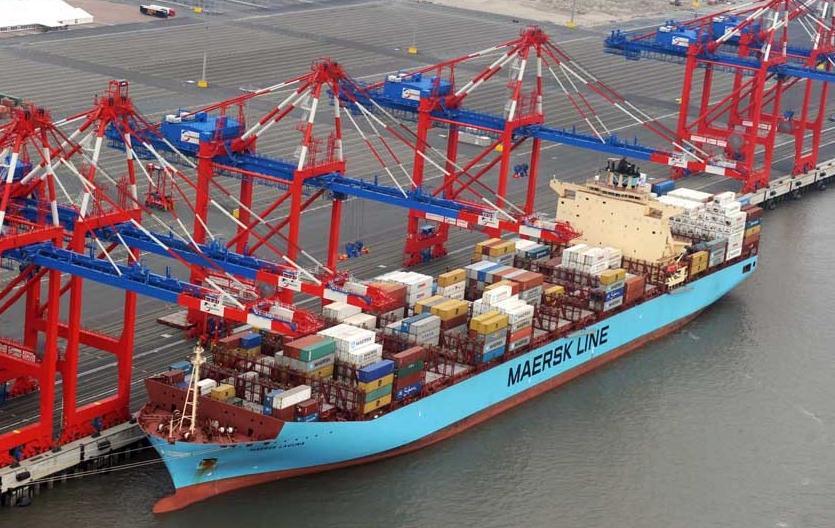 Dritter Containerdienst fährt EUROGATE Container Terminal Wilhelmshaven an