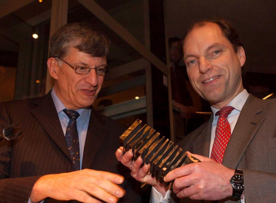 Bremer Professor erhält Auszeichnung für Port Feeder Barge Konzept