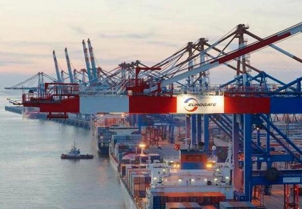 Das größte Containerschiff der Welt in Bremerhaven