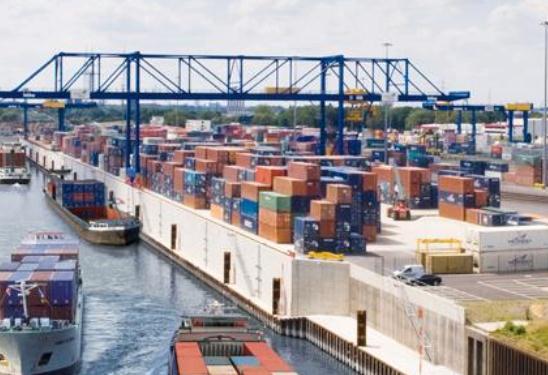 Export-Hub im Duisburger Hafen